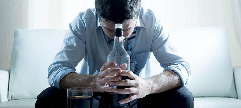 Как грамотно помочь родственнику избавится от алкогольной зависимости