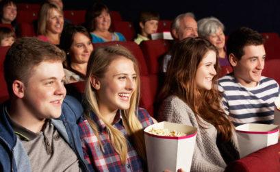 Каждое поколение имеет свое кино и своих кумиров. В любом случае, кино отображает главные характеристики той или иной эпохи. В то время, подростки это поколение, которое любят идеализировать персонажей, романтику, некоторые даже влюбляются в главных героев.